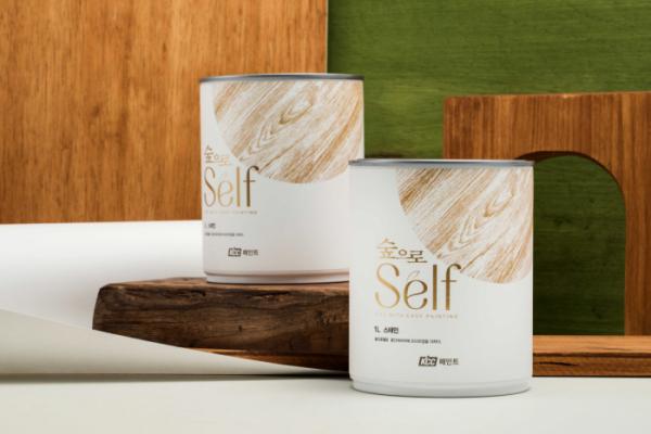 ▲KCC가 목재 보호용 페인트 '숲으로 셀프 스테인'을 출시했다. (사진제공=KCC)