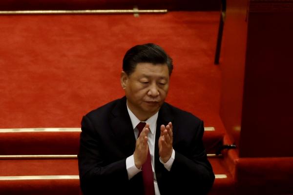 ▲시진핑 중국 국가주석이 지난 3월 5일 중국 베이징 인민대회당에서 열린 전국인민대표대회 개막식에서 박수를 치고 있다. 베이징/로이터연합뉴스