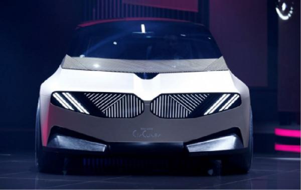 ▲독일 자동차 업체 BMW의 '아이비전 서큘러(i Vision Circular)'가 6일 독일 뮌헨에서 열린 국제자동차전시회(IAA)에 전시돼 있다. 뮌헨/로이터연합뉴스