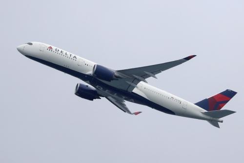 ▲미국 델타항공 여객기가 작년 10월 호주 시드니공항을 이륙하고 있다. 시드니/로이터연합뉴스
