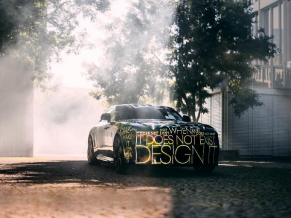 ▲롤스로이스모터카가 29일(현지시간) 영국 굿우드 본사에서 브랜드 역사상 최초의 순수 전기 자동차 스펙터(Spectre)를 공개했다. 사진제공 롤스로이스모터카
