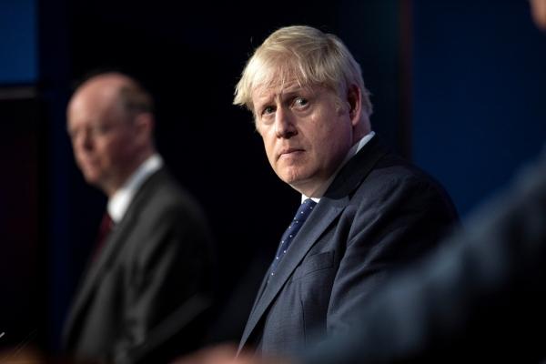 ▲보리스 존슨 영국 총리가 지난달 14일 런던 다우닝가 10번지 총리 관저에서 신종코로나바이러스감염증(코로나19) 관련 기자회견을 하고 있다.  런던/로이터연합뉴스