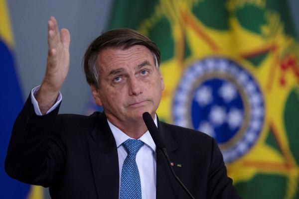 ▲자이르 보우소나루 브라질 대통령이 7일 브라질리아의 한 행사에 참석해 연설하고 있다. 브라질리아/EPA연합뉴스