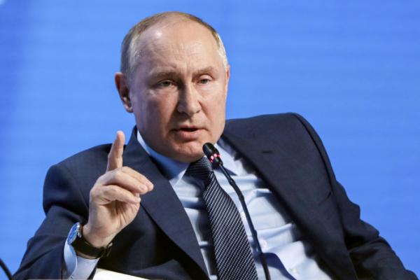 ▲블라디미르 푸틴 러시아 대통령이 13일(현지시간) 모스크바에서 열린 에너지 컨퍼런스 '러시아 에너지 위크'에서 발언을 하고 있다. 모스크바/AP뉴시스