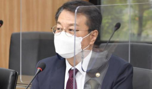 """올해 3번째 낙동강 하굿둑 개방 """"생태 나아졌다"""""""
